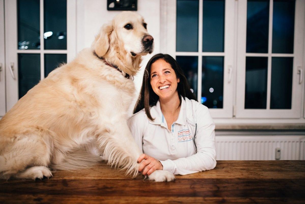 Dr. Janine Sommer mit einem tierischen Patienten.